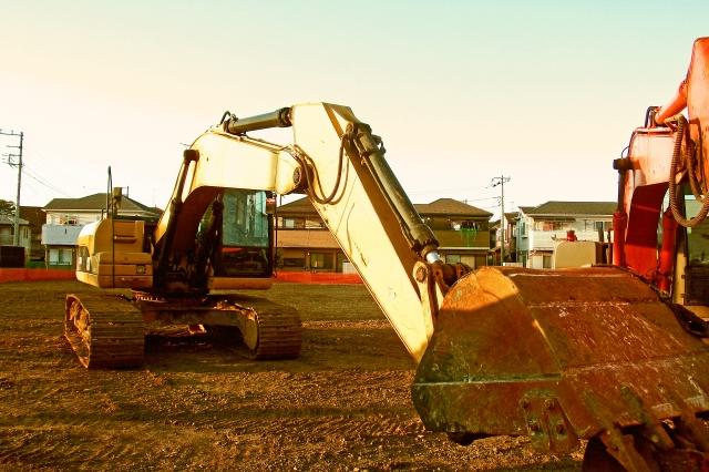 解体工事と重機